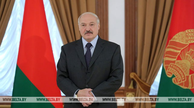 Lukashenko presents state awards to Belarusian weightlifters, coaches