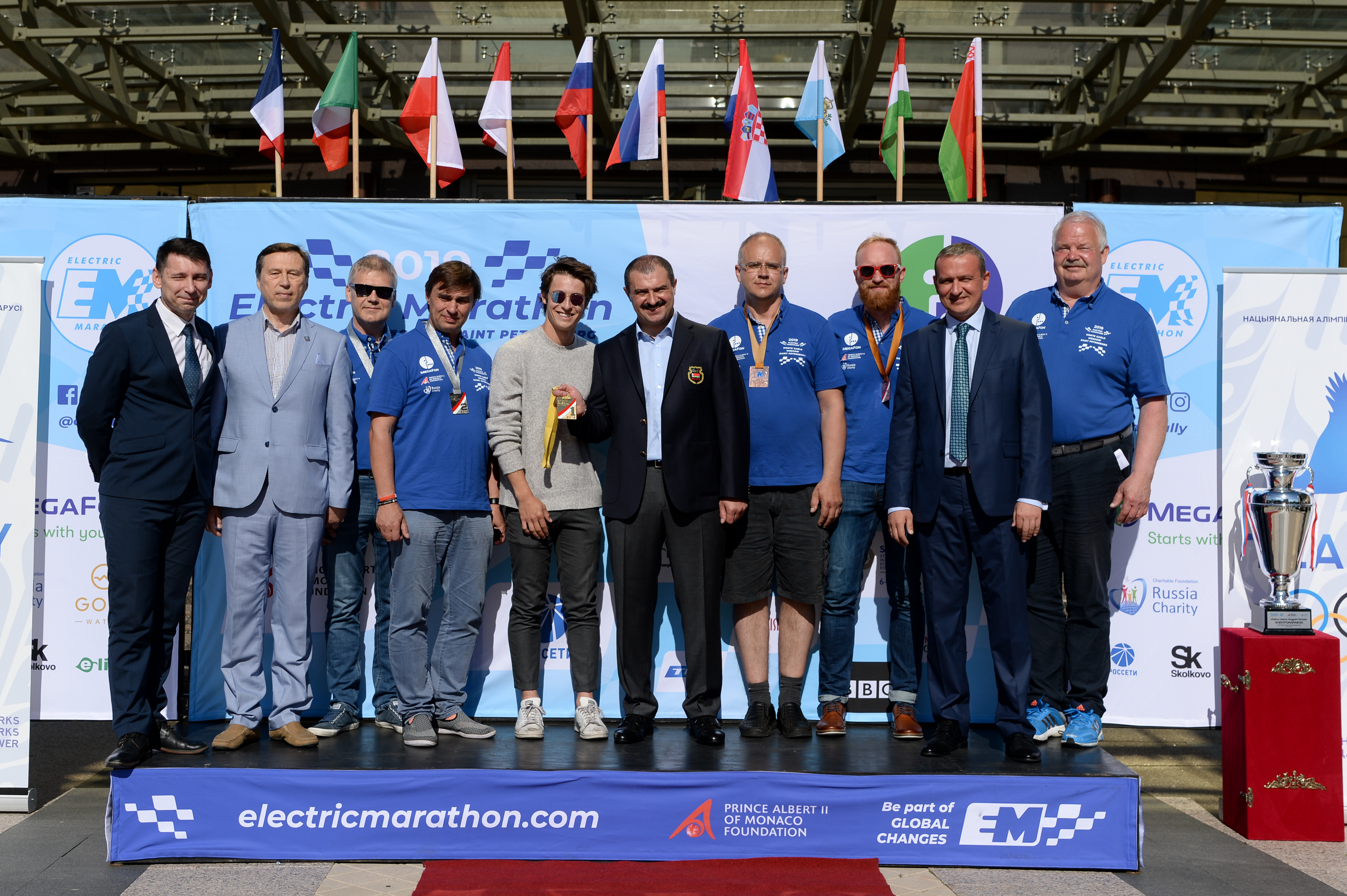 Prize winners of Brest-Minsk stage of Electric Marathon Peace Rally honored in front of Belarus NOC